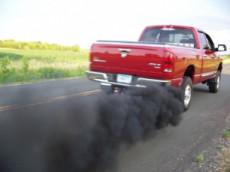дым из трубы при неисправности маслосъемных колец