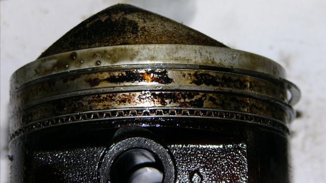 масло на кольцах